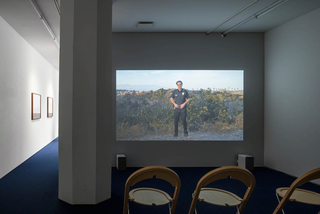Installation view, Tova Mozard, Cops/Actors, 2017, photo: Jean-Baptiste Beranger
