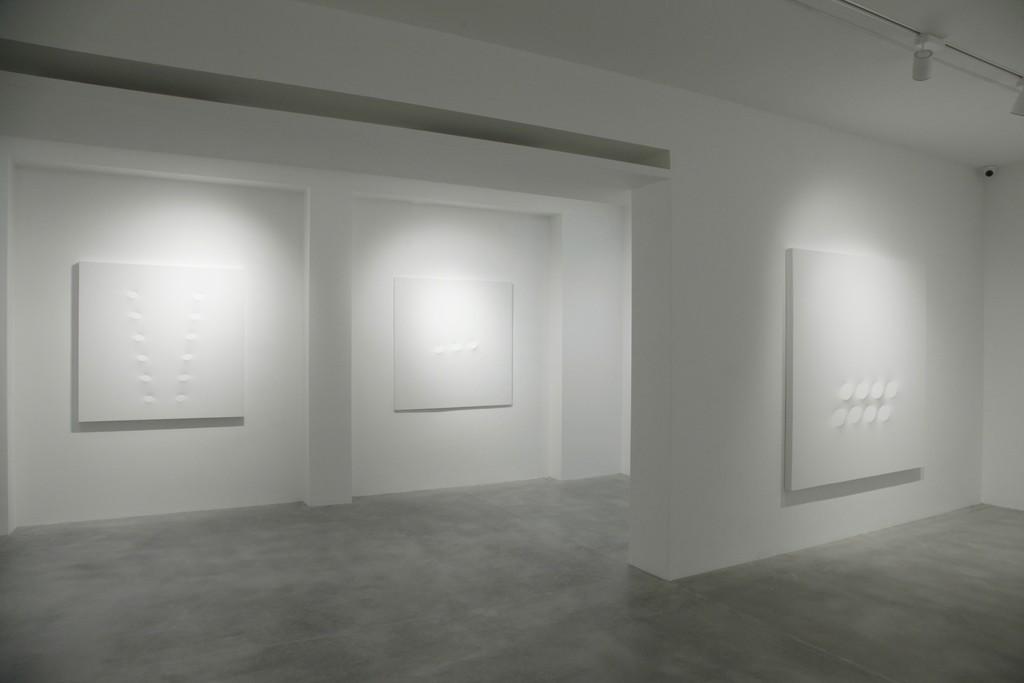 Turi Simeti. White paintings