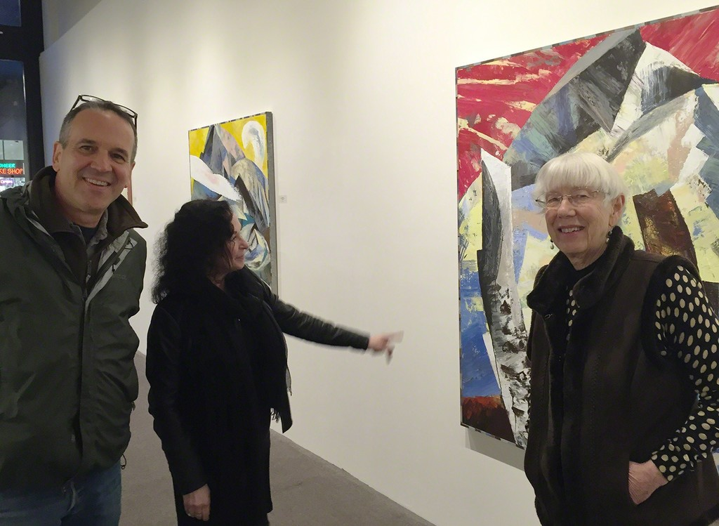 Painter Lucinda Parker (right) holds court with sculptor David French and gallery owner Linda Hodges