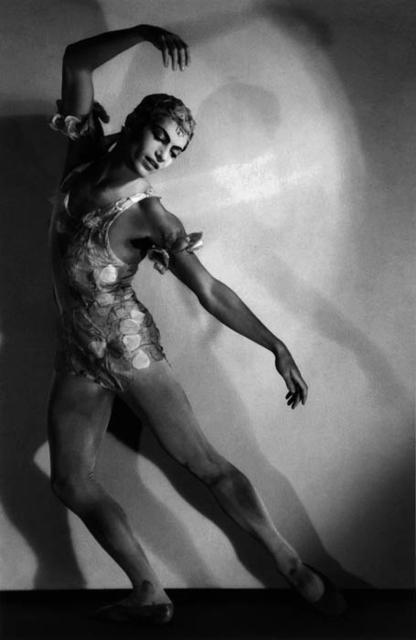 , 'Serge Lifar en Espectro de la rosa,' 1934, Vasari