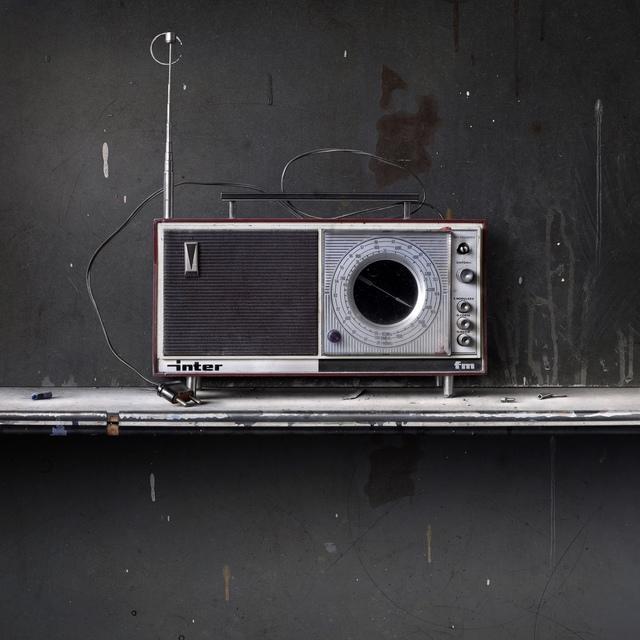 , 'Bodegon con radio inter,' 2014, Leandro Navarro