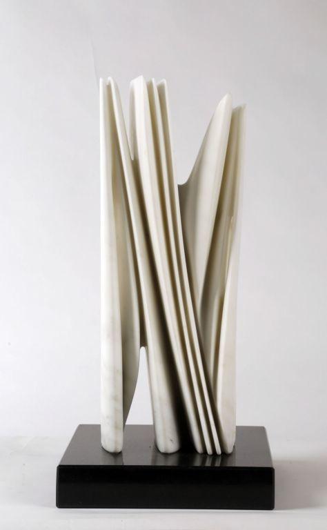 Pablo atchugarry marmol de carrara artsy for Marmol de carrara