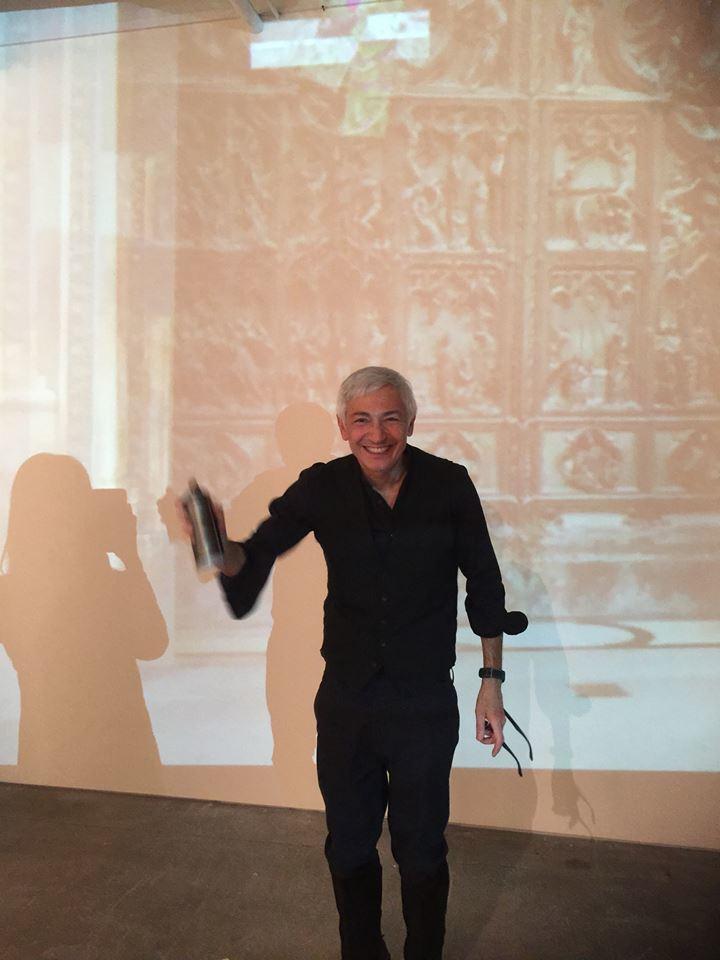 Alfredo Rapetti Mogol live painting at the opening