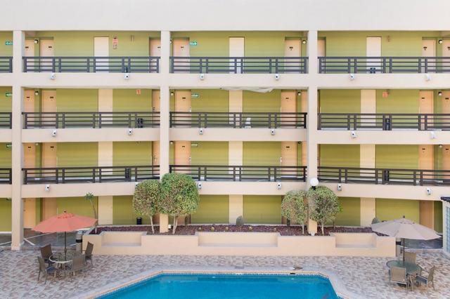 , 'Hotel Araiza, Hermosillo, Sonora, Mexico,' 2015, Patricia Conde Galería