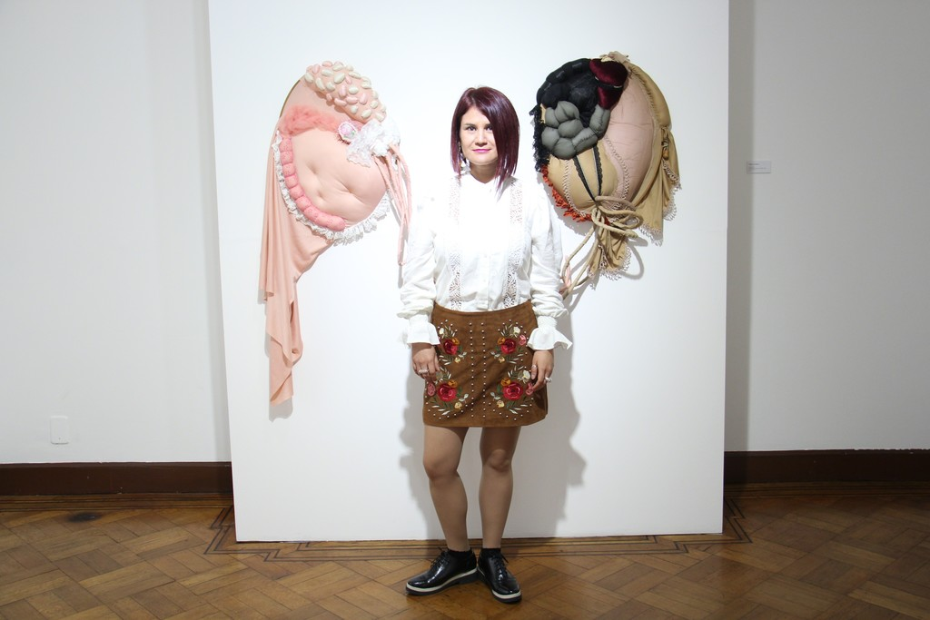 "Opening Lace and skin. Andrea Rey with ""Mutual Organs""."
