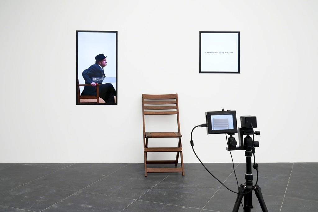 Fito Segrera, 1 & N Chairs, 2017 Installation view Frankfurter Kunstverein 2018, Photo: N. Miguletz, © Frankfurter Kunstverein, Courtesy of the artists