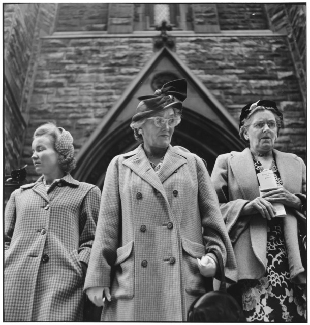 , 'Outside Presbyterian Church on Sixth Avenue. Pittsburgh, Pennsylvania. USA. ,' 1950, Magnum Photos