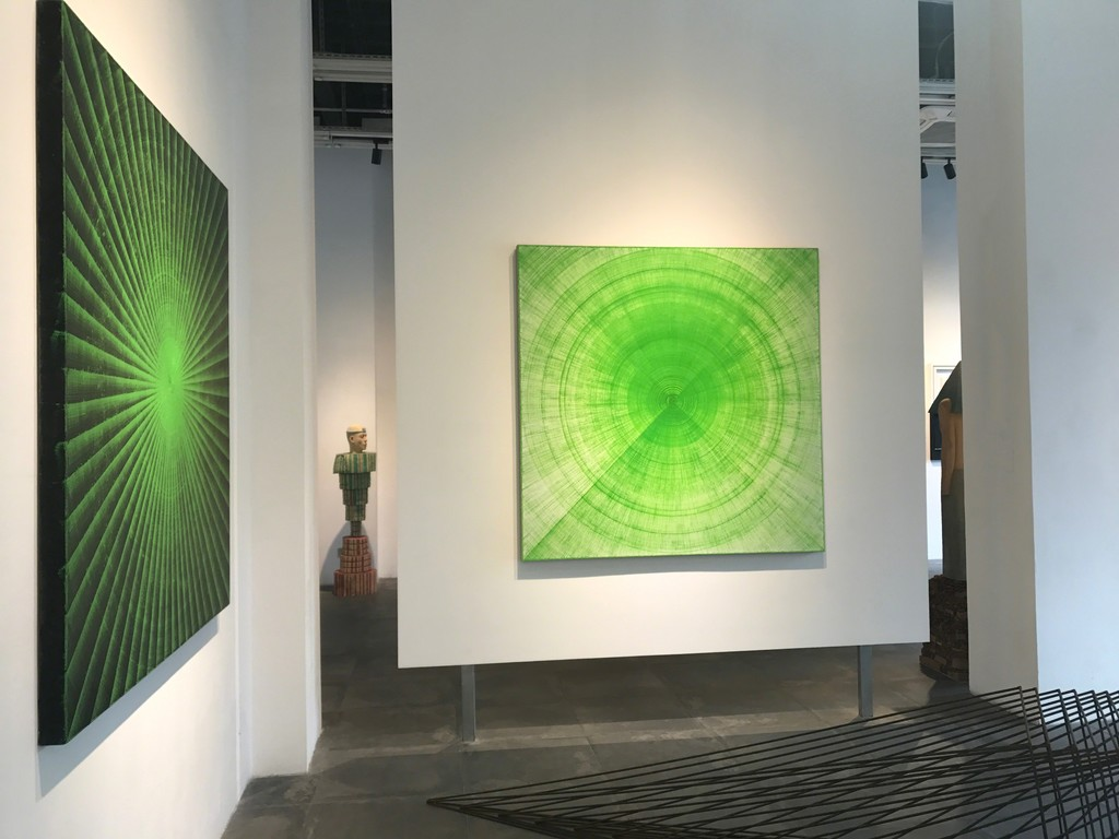 Wang Chengpu's impressions of lines dipped in oil on canvas and a glance of Chen Wen's phantasmagoric sculpture.