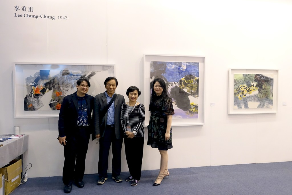 Links: Liang Gallery Director YU Yen-Liang, Director of MOMA Taipei SHIH Jui-Jen, Artist LEE Chung-Chung and Liang Gallery General Manager Claudia CHEN