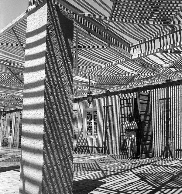 , 'Hôtel des Sables à Tata,' 2012, Galerie Esther Woerdehoff