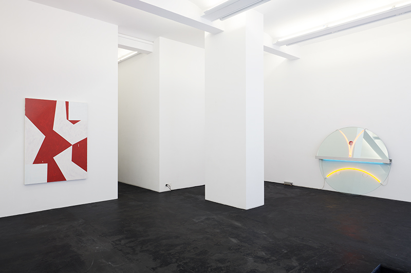 Exhibition view «Negotiating Geometry» | Reto Boller, Mary Heilmann, Cindy Hinant, Haroon Mirza, Keith Sonnier | Photo: Mischa Scherrer