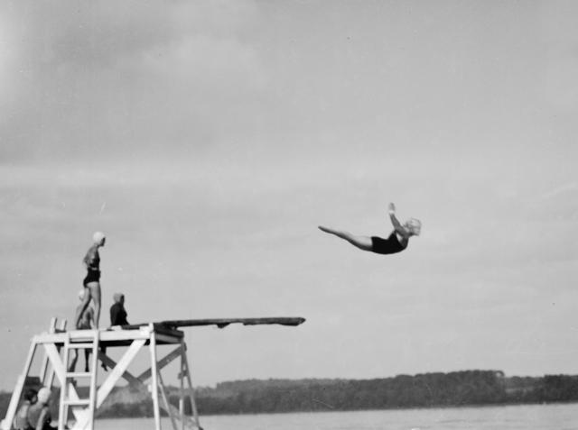 Jennifer Greenburg, 'Diving off the shores of Lake Michigan, 2012', photo-eye Gallery