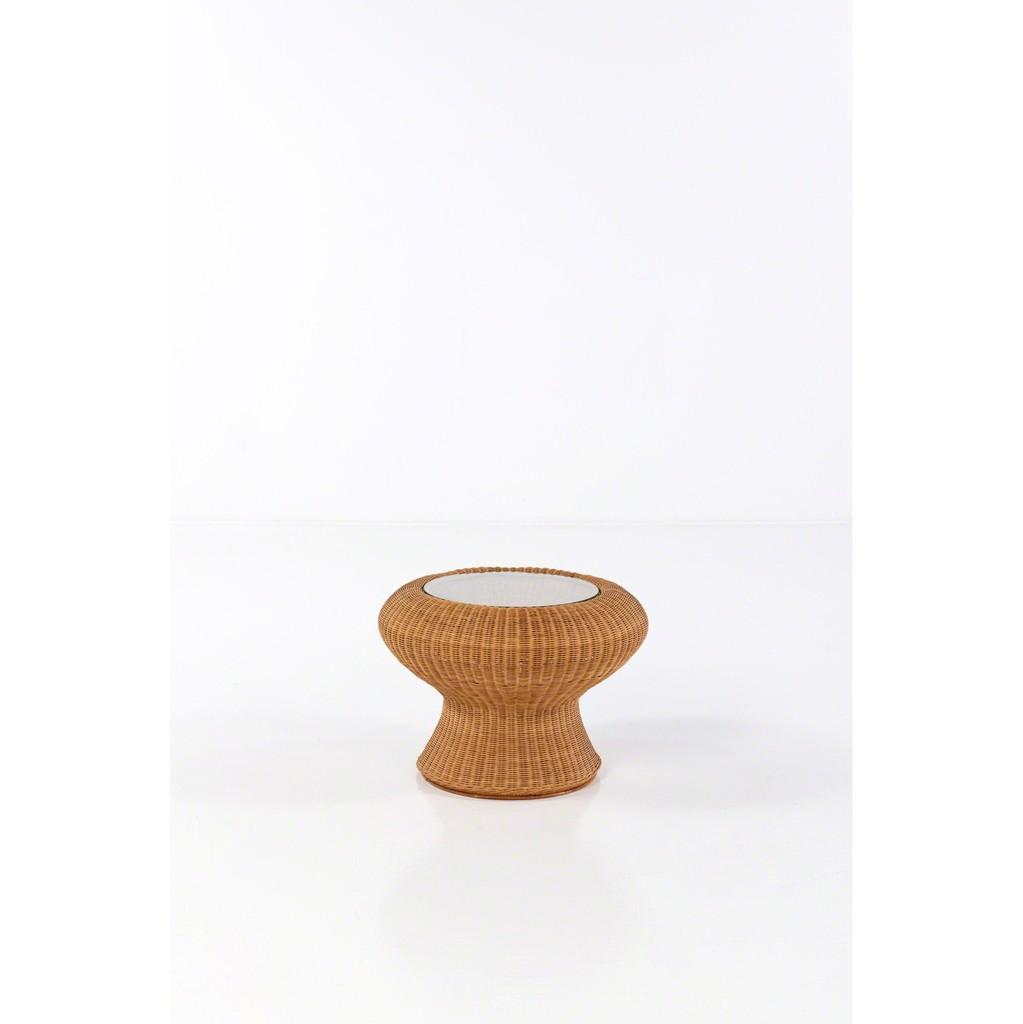 https://www artsy net/artwork/florian-eymann-porcelain-koi