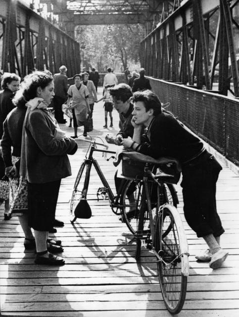 Edouard Boubat, 'Passerelle, Paris', 1952, Holden Luntz Gallery