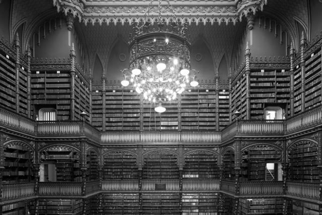 , 'O lustre do Real Gabinete Português de Leitura,' 2008, Fotospot
