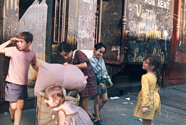 Helen Levitt, 'N.Y. (children with laundry)', 1972, Phillips