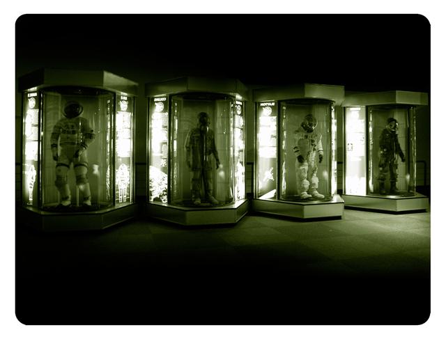 , 'Galactica NASA - Criogenic capsules,' 2009-2010, Pasto