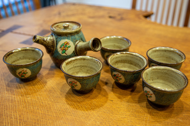 Kyusu Teapot with 6 Cups, Mingei Style