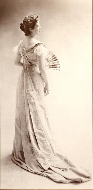, 'Thora van Loon-Egidius, ca. 1900 © Studio Nadar / Courtesy Museum van Loon,' 1900, Foam Fotografiemuseum Amsterdam