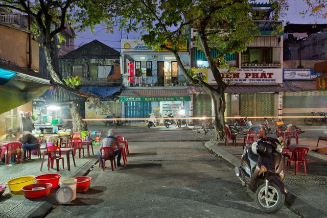 , 'Hue 18h6h 02- Phan Dang Luu Street 03,' 2015, Art Vietnam Gallery