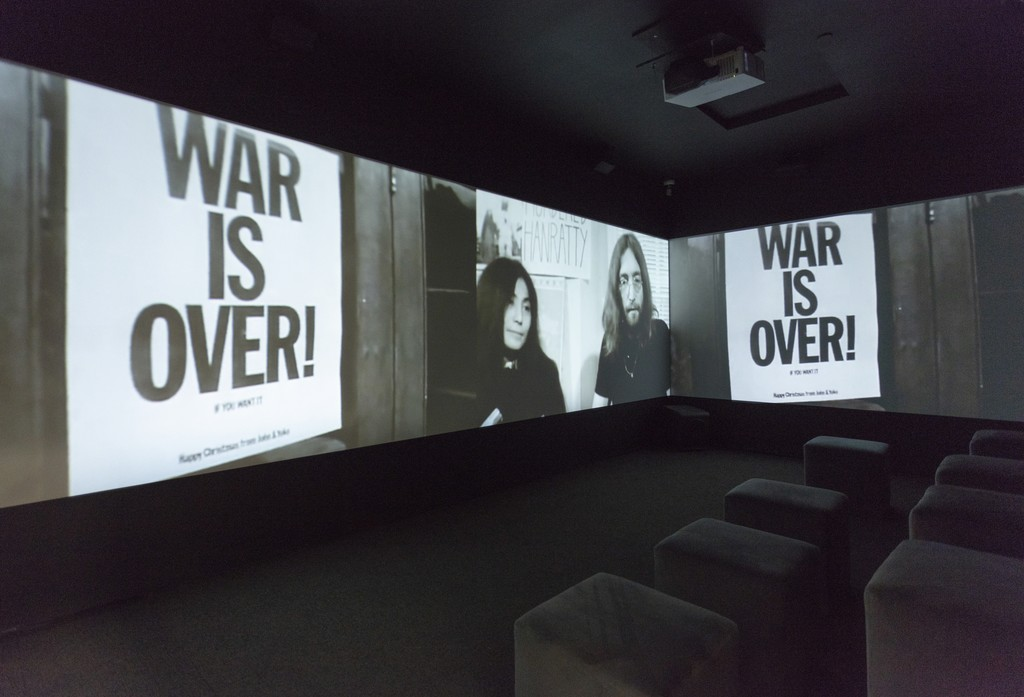 Introductory film to LIBERTÉ CONQUÉRANTE/GROWING FREEDOM (2019). Video installation by George Fok.