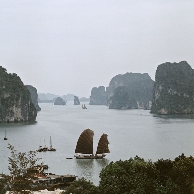 , 'Halong Bucht,' 1969, CAMERA WORK