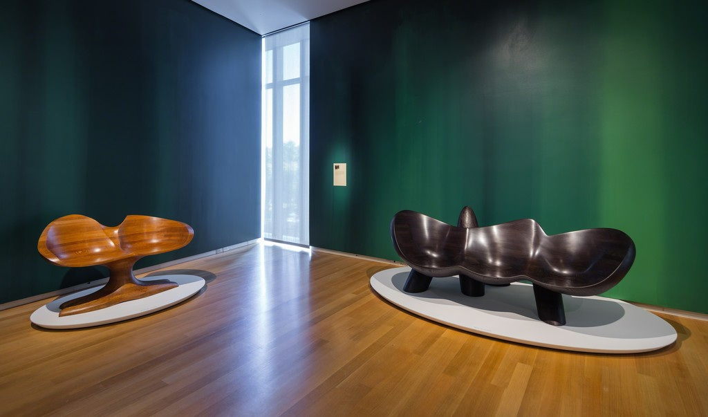 Installation view of 'Wendell Castle Remastered,' 2015. Photo by Jenna Bascom. Courtesy of the Museum of Arts and Design.