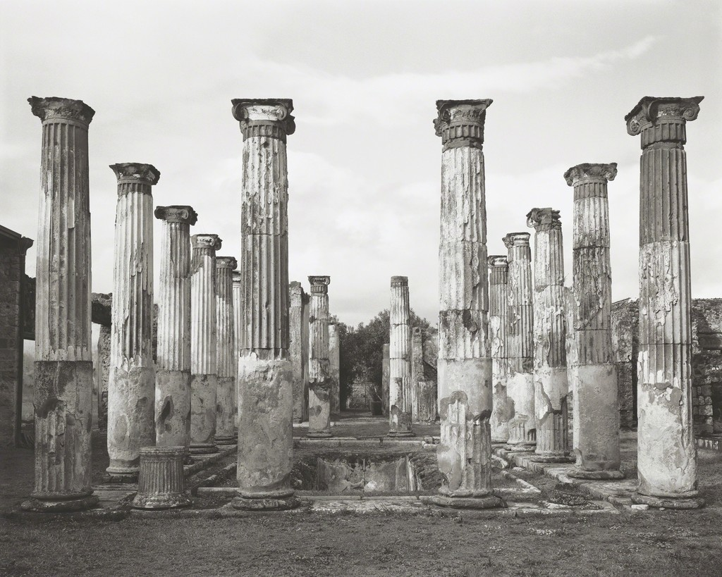 William Wylie, Peristyle, House of the Colored Capitals or House of Ariadne (VII.4.31), 2015. Pigmented inkjet print. Yale University Art Gallery, Gift of the artist. © William Wylie
