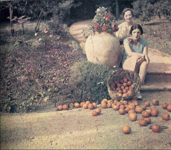 , 'Bibi and Germaine Chalom, Cannes,' 1927, ElliottHalls