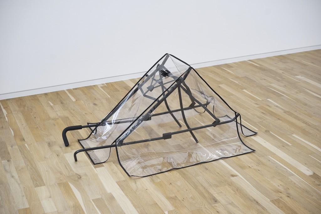 Exhibition view, Arbeiten Gehen: Eine Ausstellung der Galerie BRD, Christin Kaiser, Jahn und Jahn, 2017