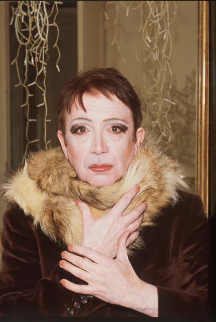 , 'Autoportrait au col de fourrure avec mains,' , Galerie Christophe Gaillard