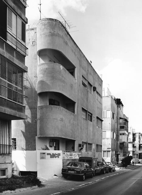 , 'Tel Aviv (House Burda - Nachumowski - Ojikowski),' 1988, Thomas Fischer