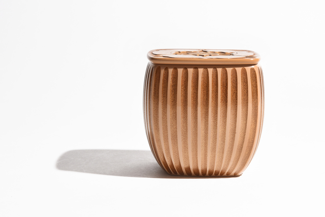 "Otomaru Koudou, 'Layered Lacquer Tea Container ""Trillium smallii"" 17 276', ca. 1930~, Sculpture, Lacquer, Yumekoubou Antique"