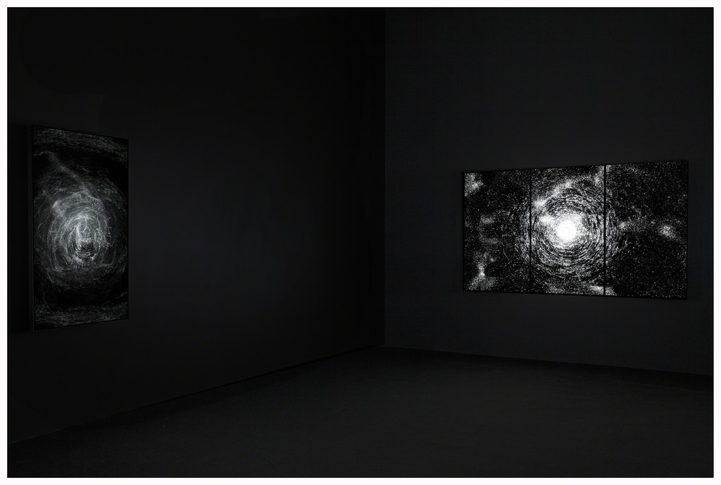 Installation view, Leo Villareal, Pace Gallery, May 4 – June 17, 2017. Photography by Mark Waldhauser. © Leo Villareal, courtesy Pace Gallery