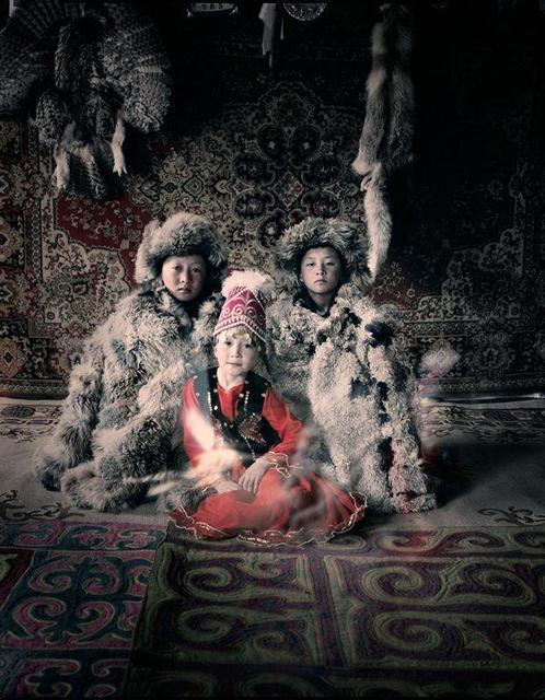 , 'VI 27 - Bakbergen, Samil & Kamilla - Altantsogsts, Bayan Olgii - Mongolia,' 2011, AbrahamArt
