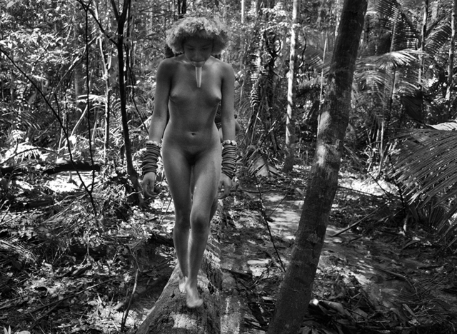, 'A Member of the Zo'é Group, State of Pará, Brazil,' 2009, Huxley-Parlour
