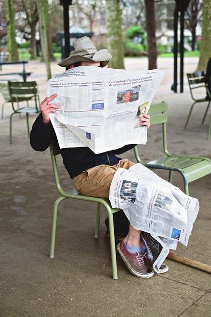 Paulien Oltheten, 'Reading the news', 2017, Photography, Print on Hahnemuhle silk baryta paper, Galerie Les filles du calvaire