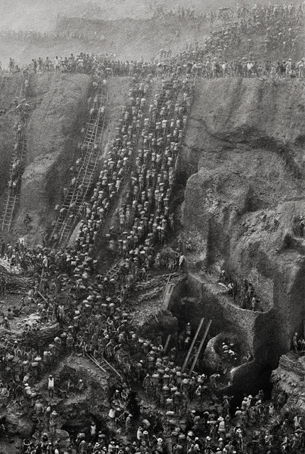 Sebastião Salgado, 'Serra Pelada Gold Mine, Brazil', 1986, Kenneth A. Friedman & Co.