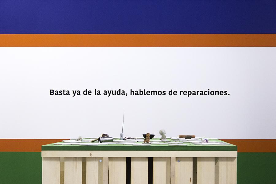 Beto Shwafaty, Hablemos de reparaciones, 2016. Installation view