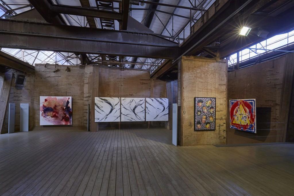 "front view of ""Blackbird II, IV & VII"" by sheOne at 5. UrbanArt Biennale 2019"