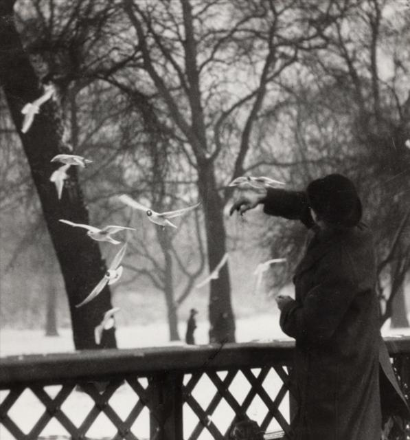 , 'Feeding the Birds in Winter, St James's Park, London,' 1919, Huxley-Parlour