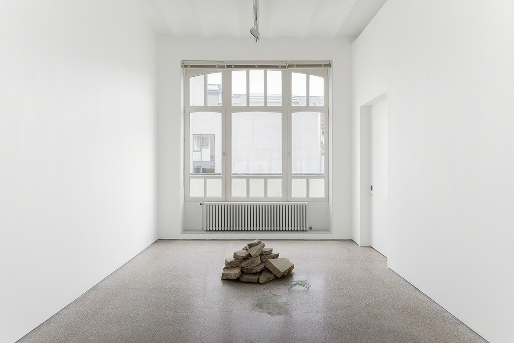 Installation view, Joe Zorrilla, 2017, Galerie Greta Meert