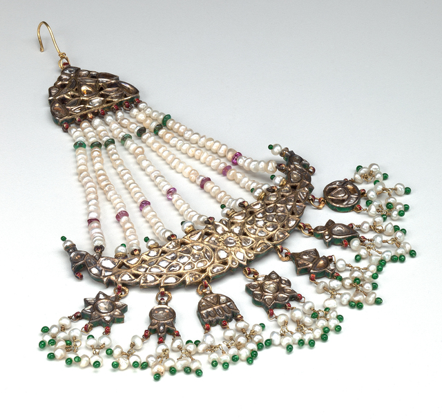 , 'Jhumar Hair Ornament with Hand of Fatima, Crescent, Eight-Pointed Stars, Peacock and Floral Motifs,' Mughal Period (1526–1857), Phoenix Art Museum