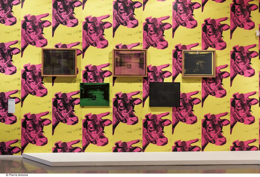"Andy Warhol, Electric Chair. Installation view of ""Warhol Unlimited"" at Musée d'Art Moderne de la Ville de Paris (2015-2016) © The Andy Warhol Foundation for the Visual Arts, Inc. / ADAGP, Paris 2015 © Pierre Antoine"
