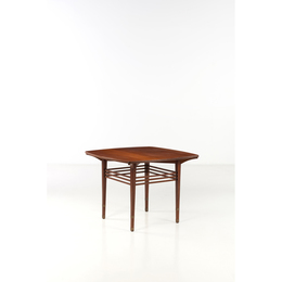Bach, Table