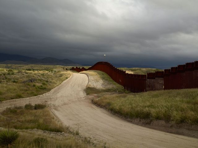 , 'Wall, East of Nogales, Arizona/El muro, al este de Nogales, Arizona ,' 2014, Crystal Bridges Museum of American Art
