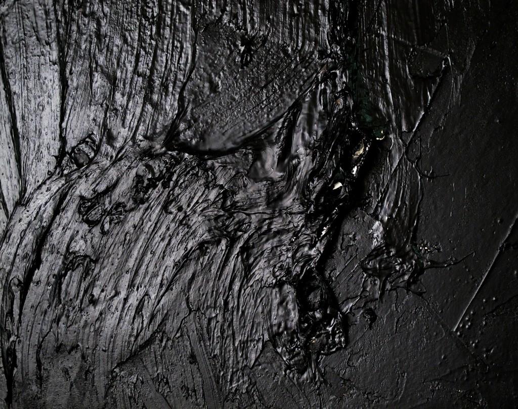 Wall Run, 2016 Wooden construction, PVA glue, tar, plywood, Photo: Irit Tamari