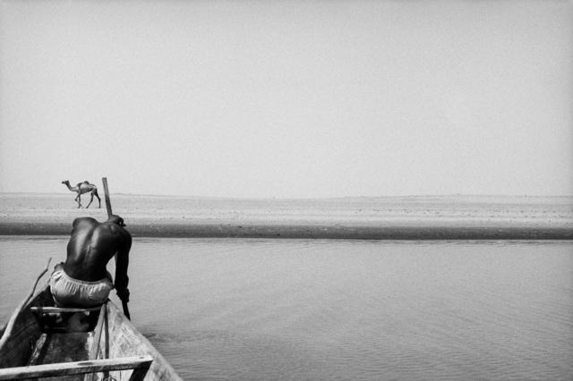 , 'Pêcheur boso sur le Niger, Tombouctou,' 1989/1990, Galerie Maeght