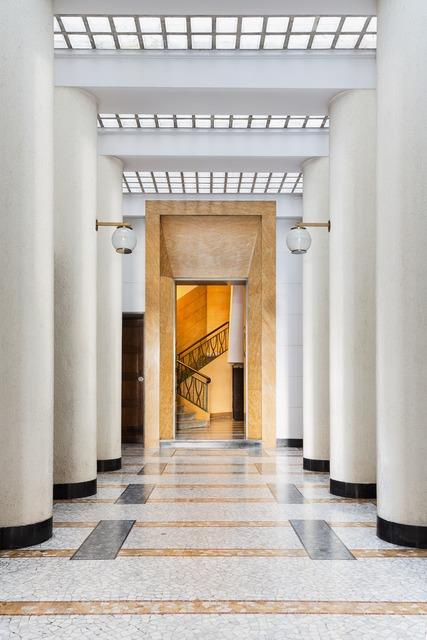 , 'Ingressi di Milano. via Aristide de Togni 14,' , TASCHEN