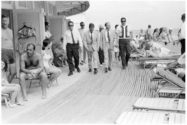 "Terry O'Neill, '""Frank Sinatra on the Boardwalk, view 2""', 1968, Izzy Gallery"